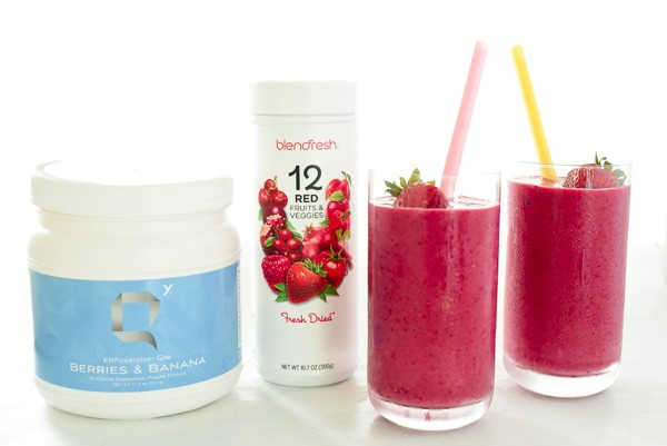 A super healthy smoothie with 36 vitamins, minerals, and amino acids + 17 fruits and veggies!