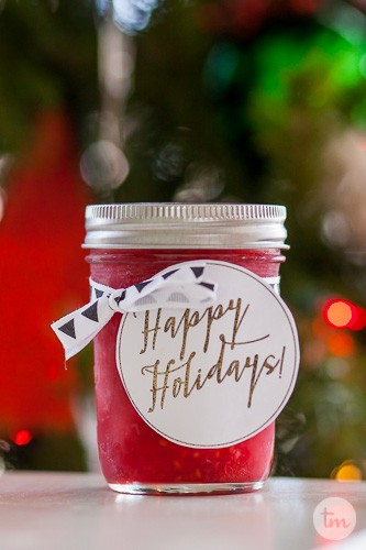 Easy Christmas Jar Neighbor Gifts