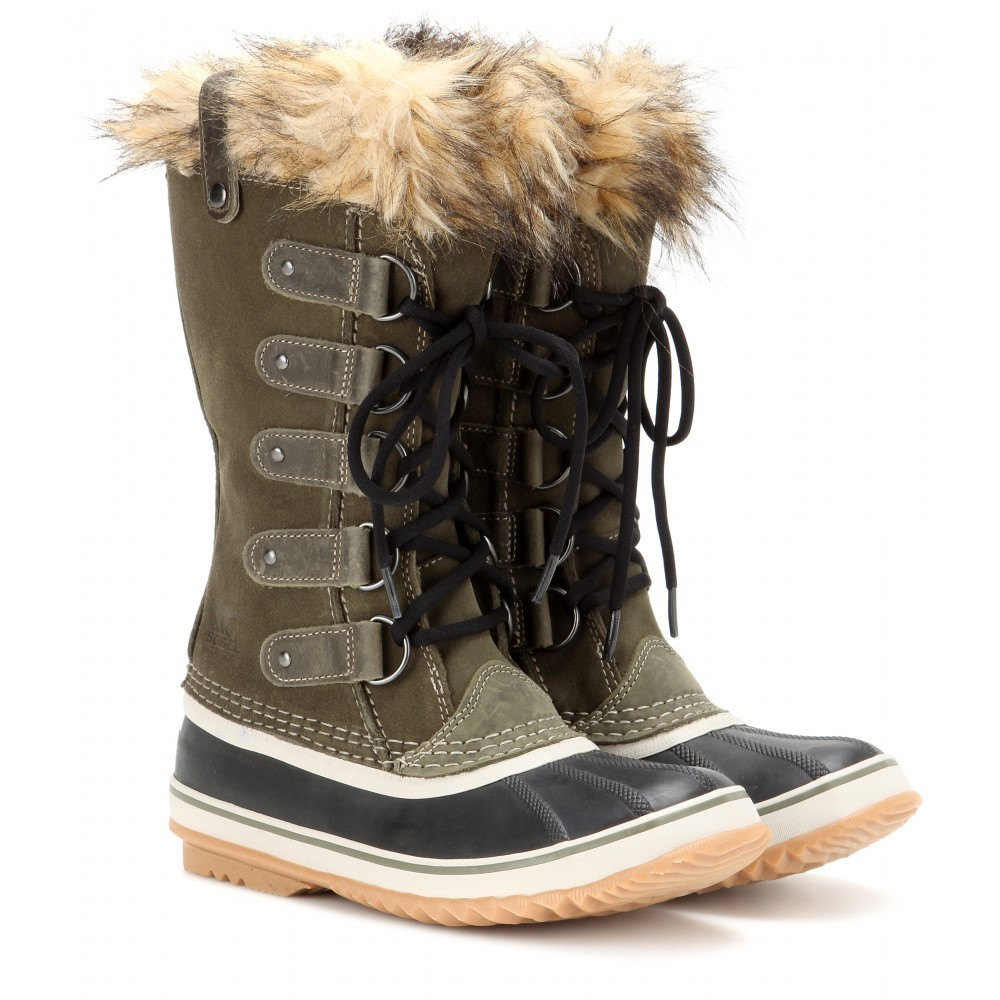 Joan-Of-Arctic-Suede-And-Rubber-Boots1