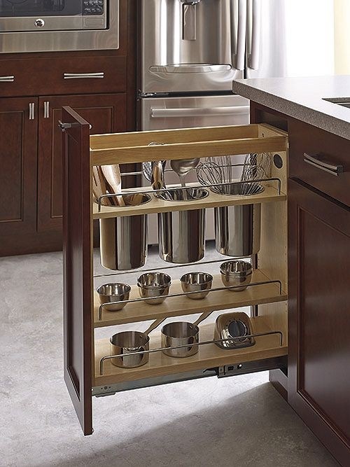 Kitchen Pantry Untensil Pull Out - How to choose the perfect kitchen cabinets! Whether you are choosing to upgrade a few things or remodeling your kitchen, these handy tips and kitchen cabinet ideas will help to get you started! LivingLocurto.com