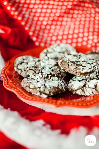 homemade chocolate crinkle christmas cookies treats from box cake mix