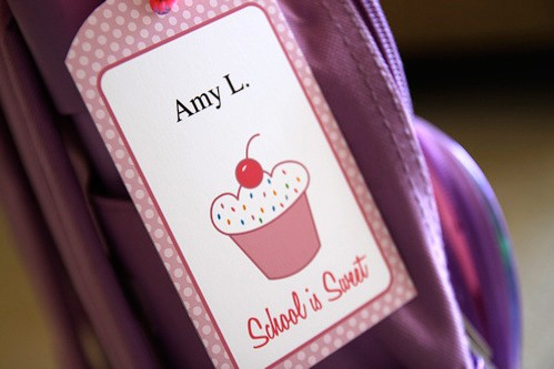 Back to School Free Printables - Cute Cupcake Backpack and lunch box tags.