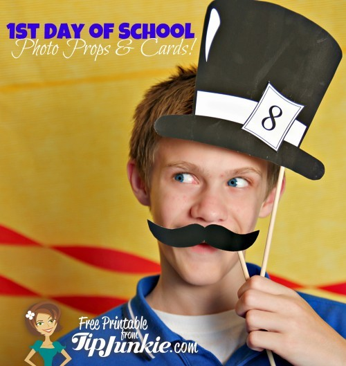 Free Printable School Photo Props via Tip Junkie featured on Living Locurto